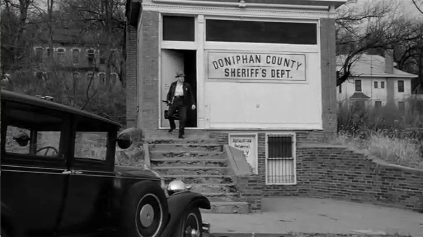 Paper Moon – Sheriff's Dept.